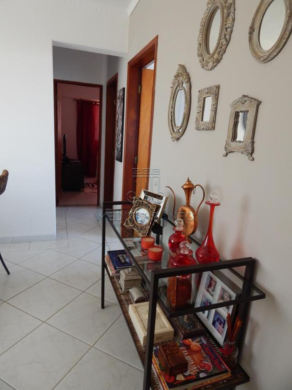 Comprar Apartamento / Padrão em Jundiaí apenas R$ 260.000,00 - Foto 2